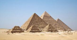800px-All_Gizah_Pyramids
